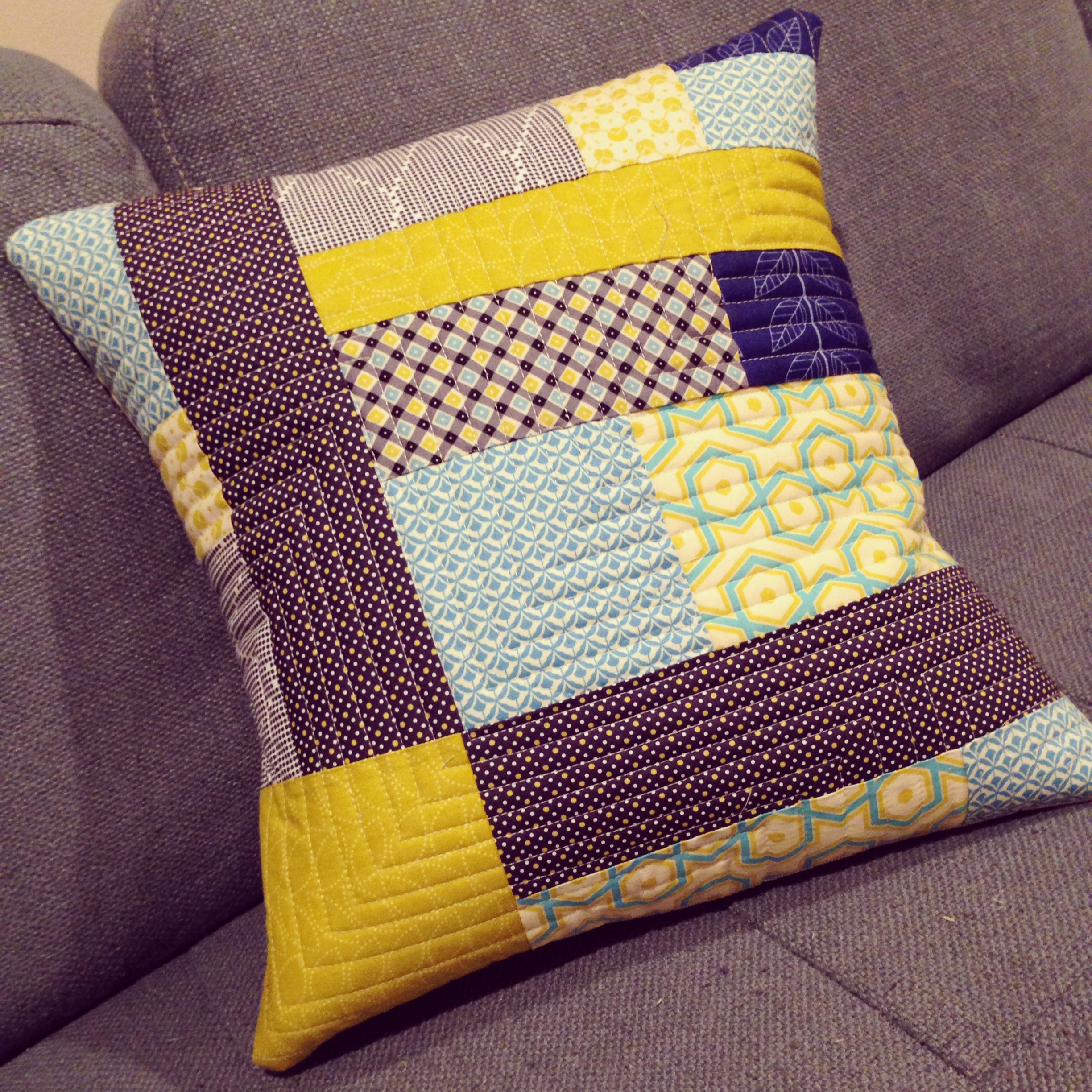 Quilted Pillows Tutorial: Walking Foot Quilting Sew Mama Sew
